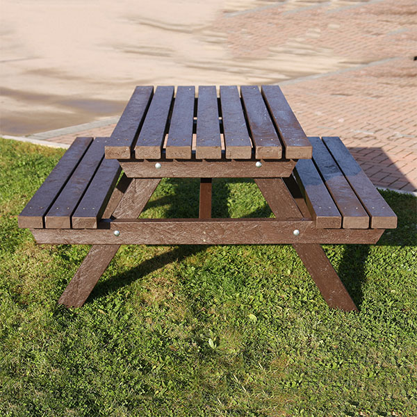 Plastic Company Salcombe Picnic Table 3 slats